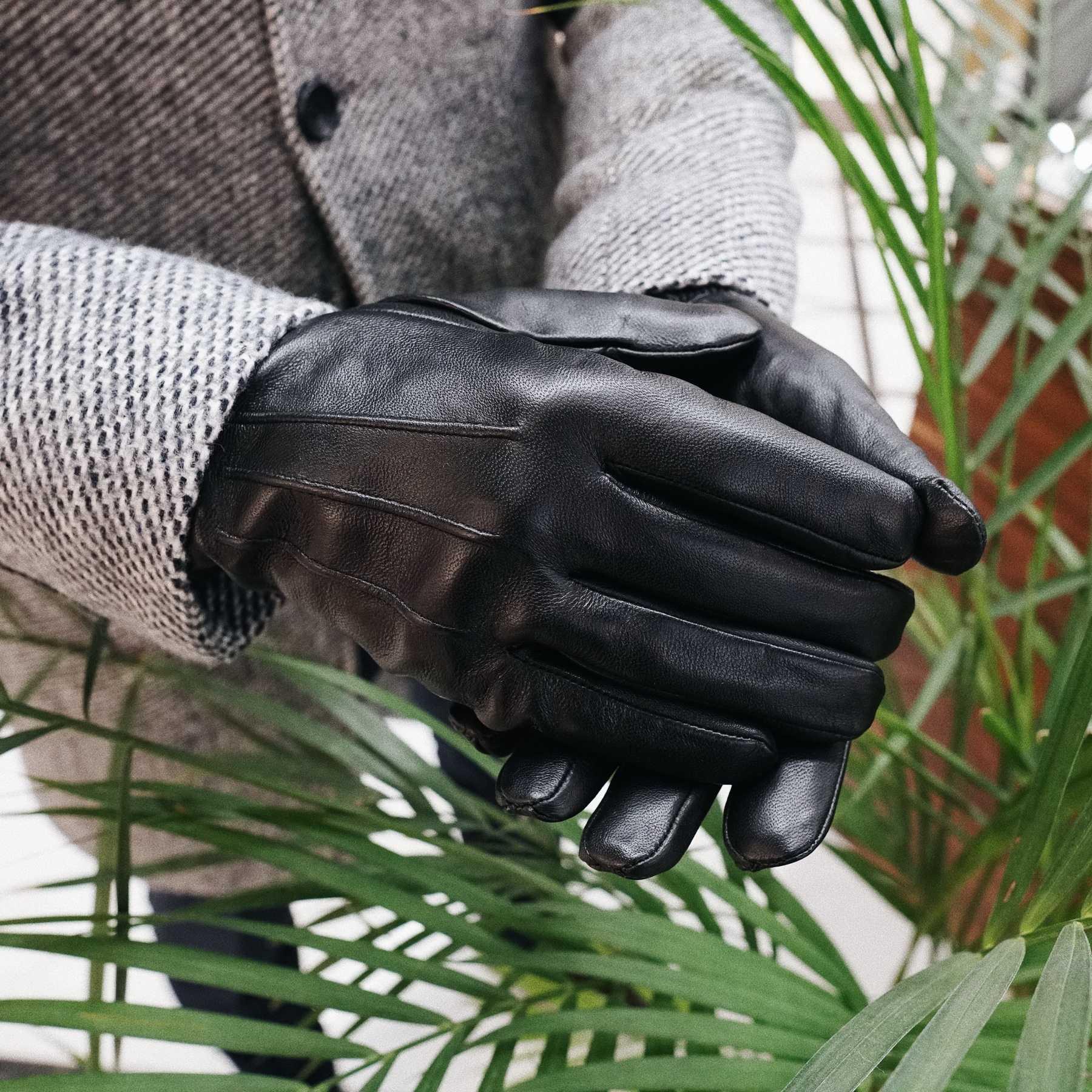 Перчатки мужские кожаные с декоративной строчкой