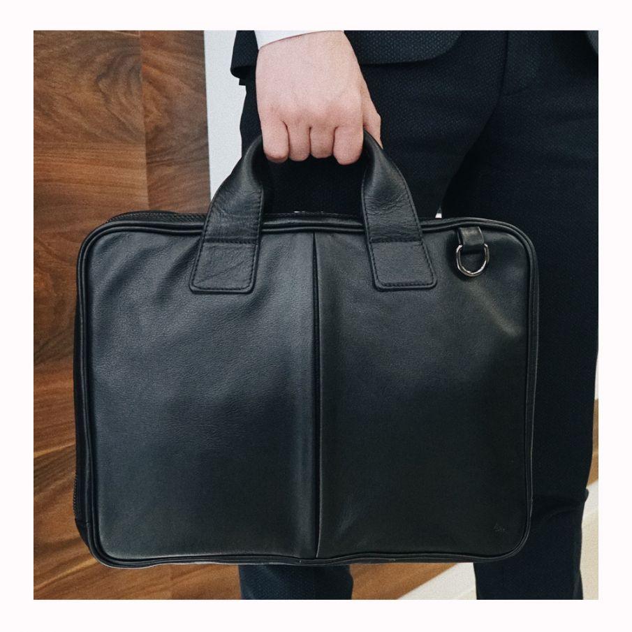 Портфель мужской черный,бескаркасный, два отделения
