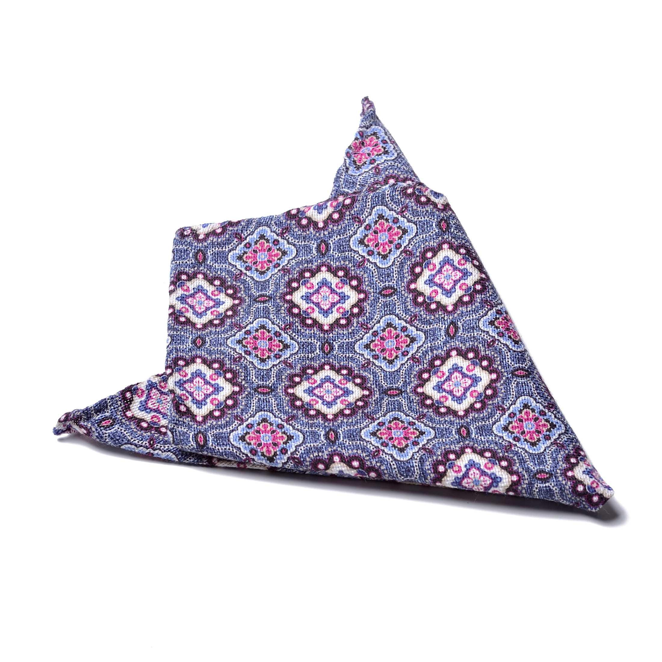 Платок нагрудный в карман сине-голубой в розово-белый цветочный орнамент (хлопок,шелк)