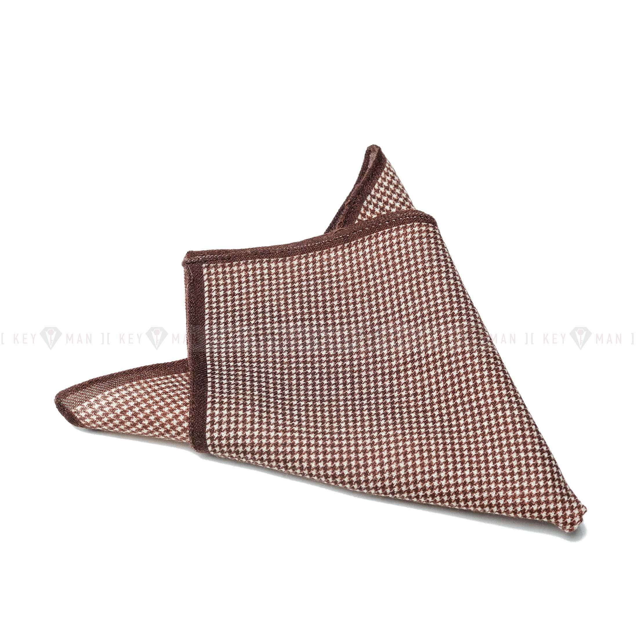 Платок нагрудный в карман коричневый в бежевый рисунок гусиная лапка (шерсть)