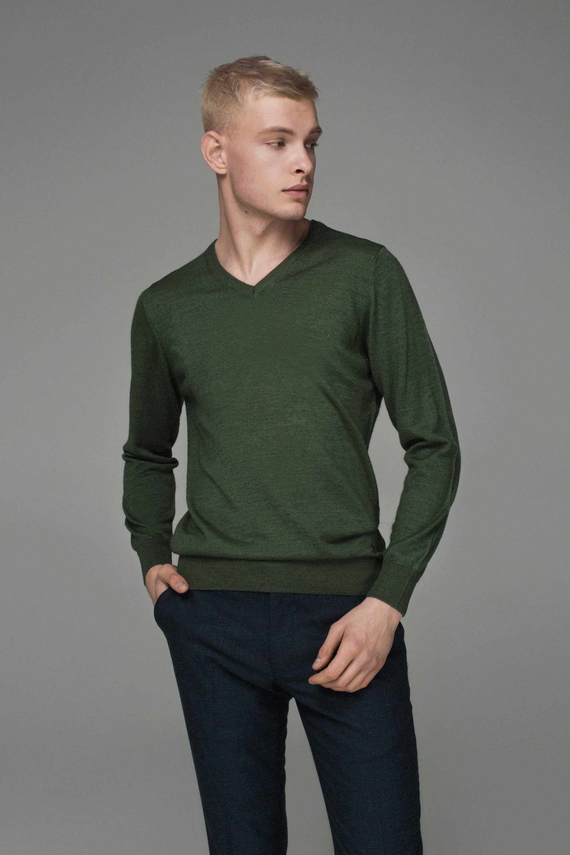 Джемпер мужской оливковый, итальянская шерсть, v-образный вырез