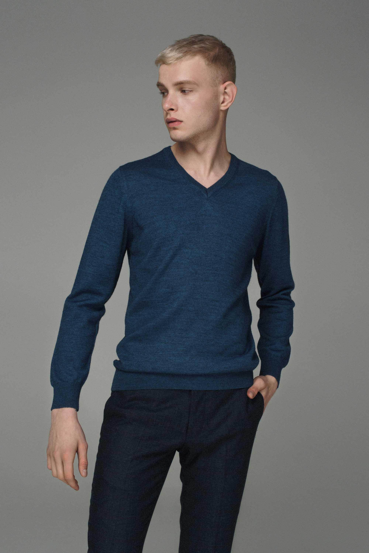 Джемпер мужской синий, итальянская шерсть,v-образный вырез