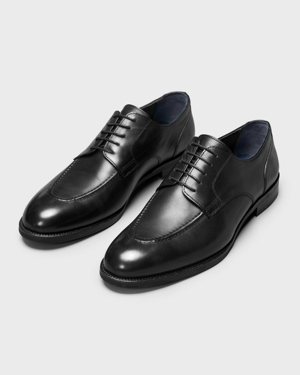 Туфли мужские дерби черные с полукруговым швом на мыске (moc toe)