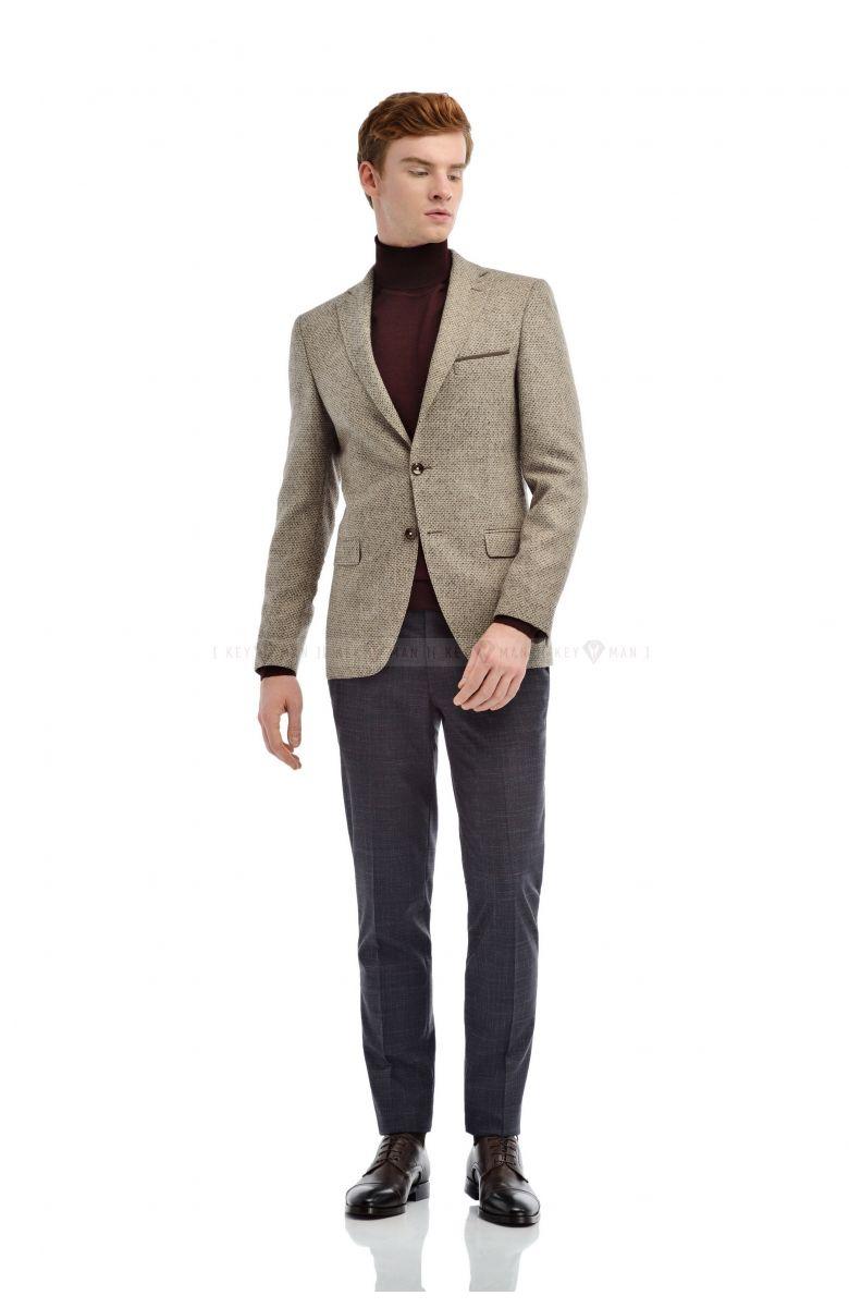 Пиджак мужской бежевый с вплетенной коричнево-белой нитью