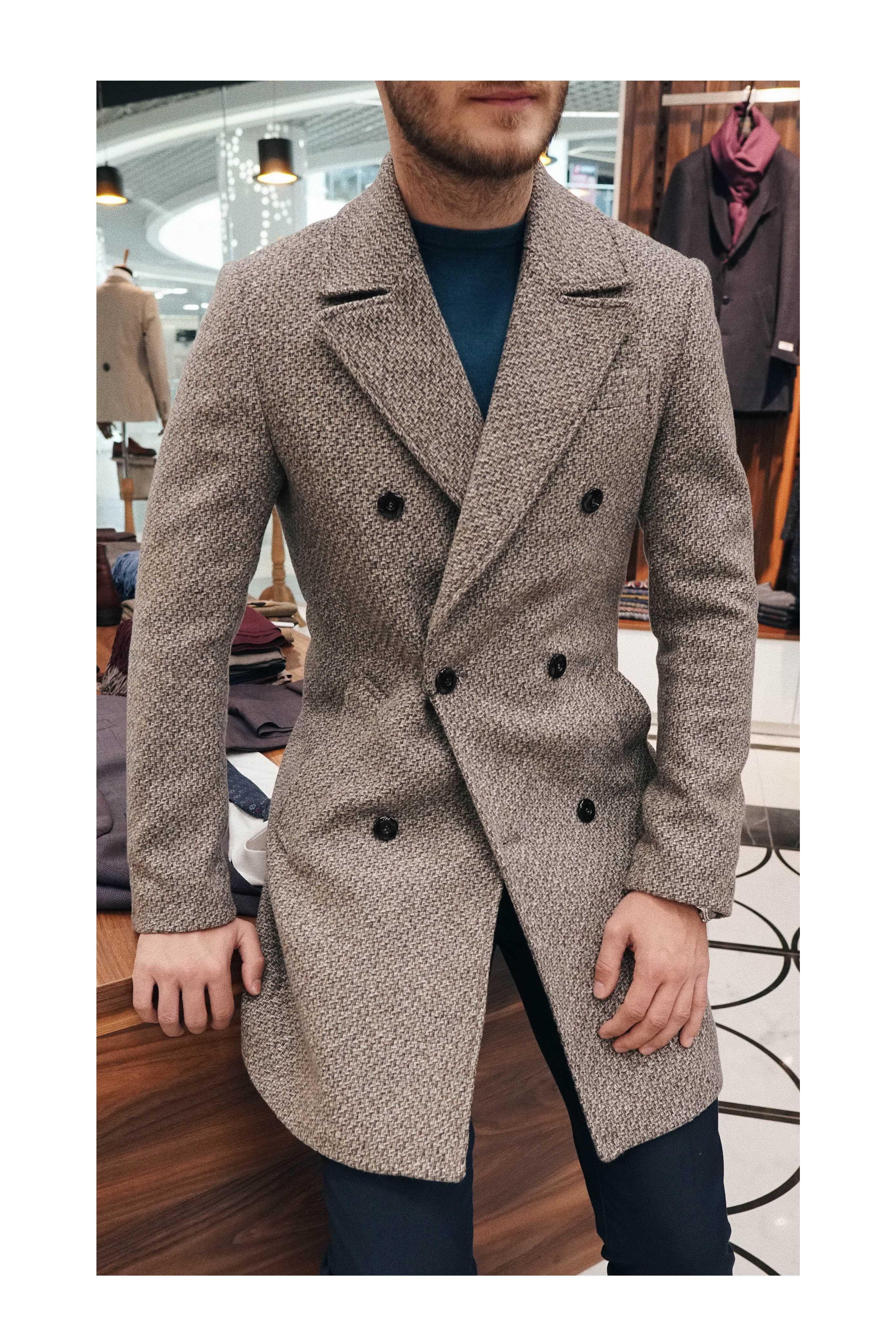 Пальто мужское двубортное бежевое буклированное