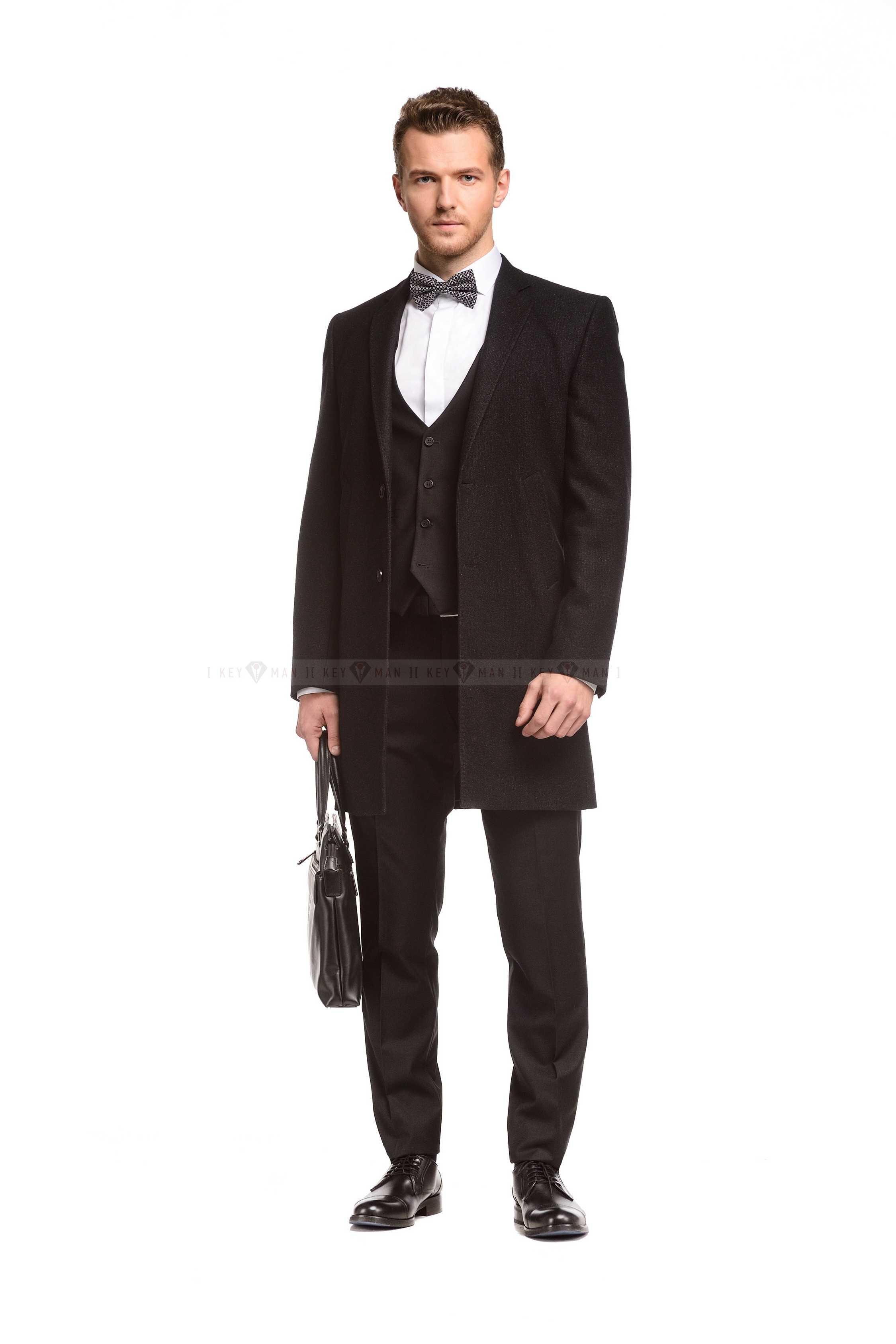 Пальто мужское черное приталенное демисезонное