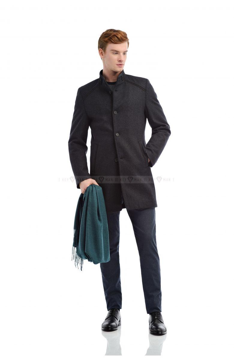 Пальто мужское шерстяное серое утепленное мехом с кожаным кантом