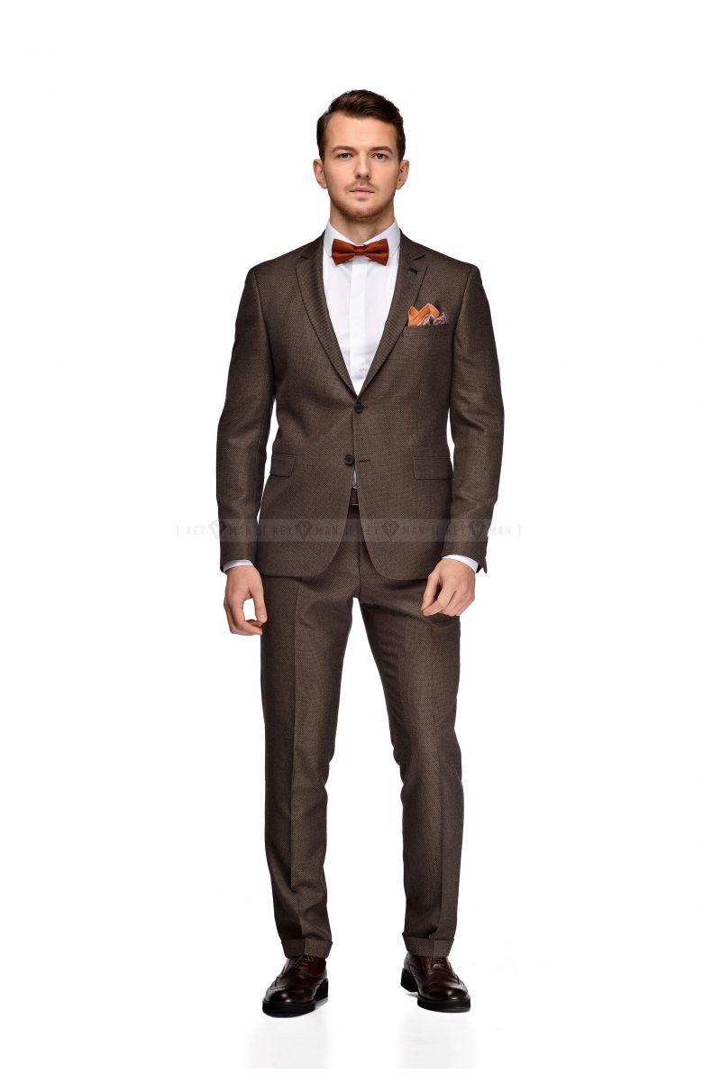Костюм мужской бежево-коричневый фактурный