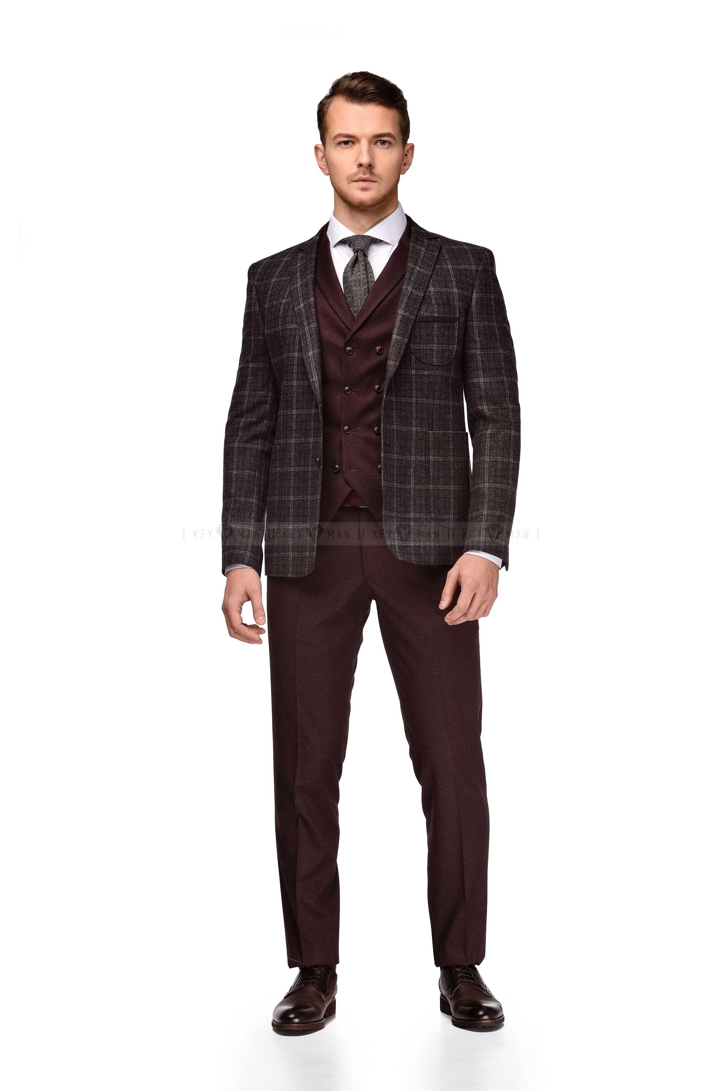 Костюм мужской тройка серо-бордовый пиджак в клетку (грубая шерсть)