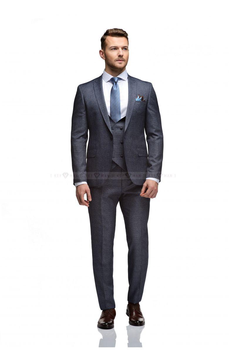 Комплект на свадьбу с темно-синим костюмом в клетку в цвет костюма (костюм тройка, рубашка, туфли, аксессуары)