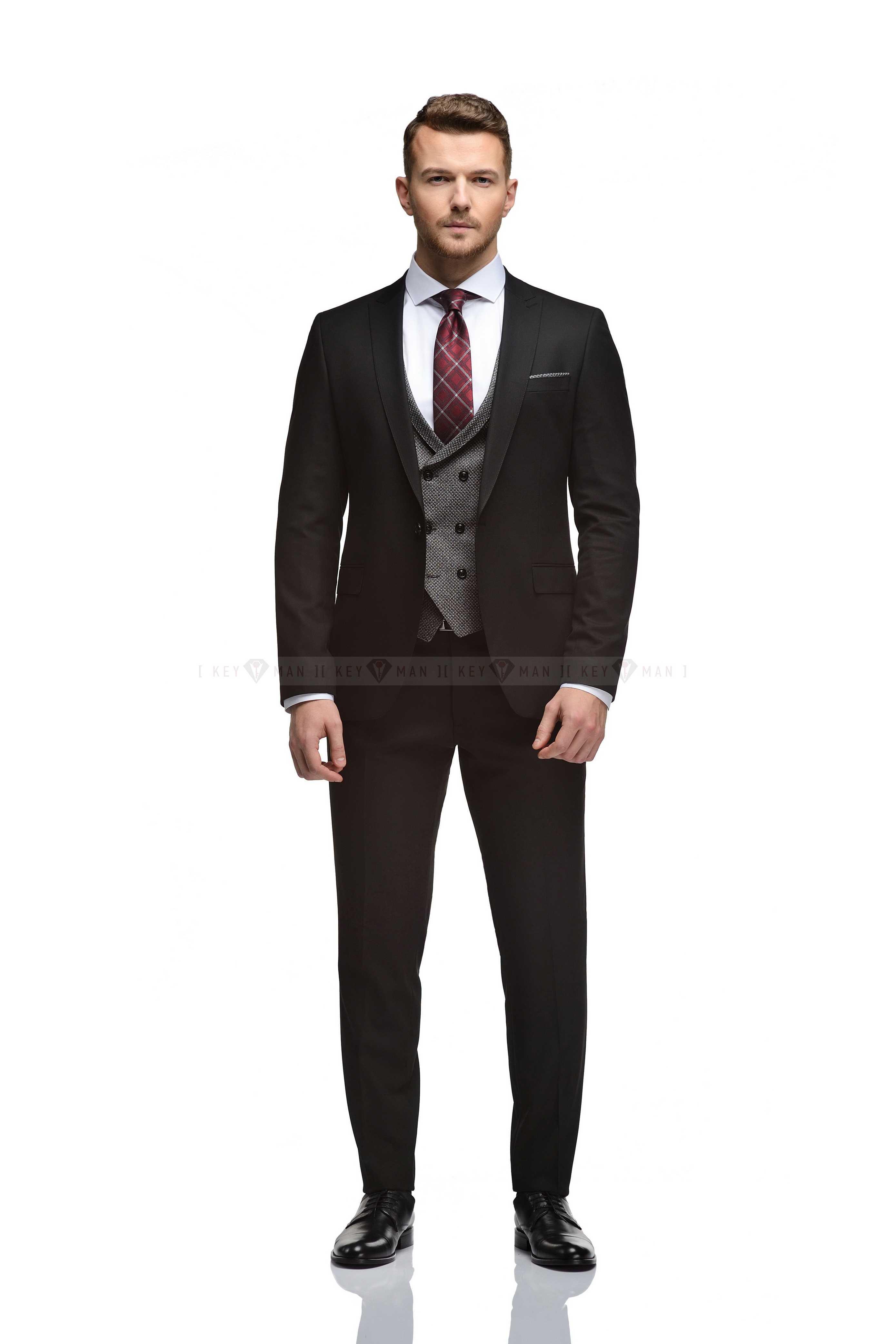 Костюм мужской черный фактурный с контрастным жилетом(тройка)