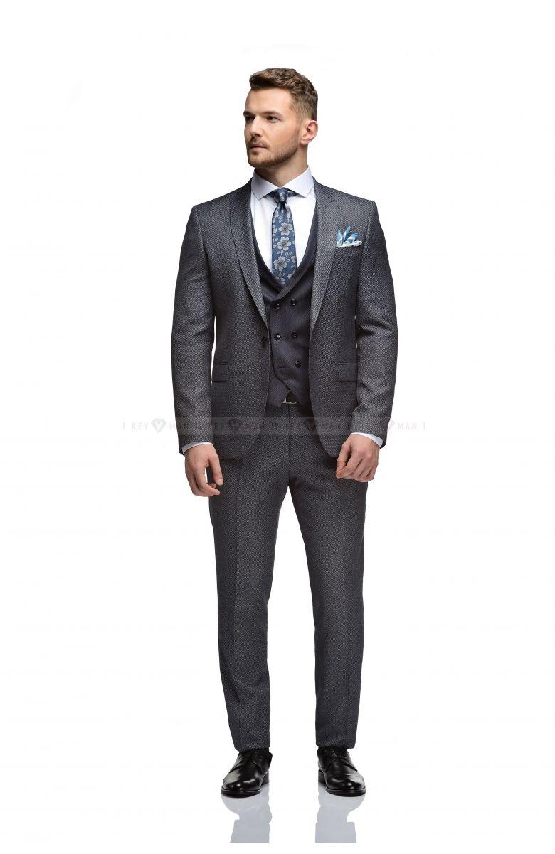 Комплект в офис с синим костюмом с серой зернистой фактурой и контрастным жилетом (КОСТЮМ ТРОЙКА, РУБАШКА, ТУФЛИ, РЕМЕНЬ, ГАЛСТУК, ПЛАТОК)
