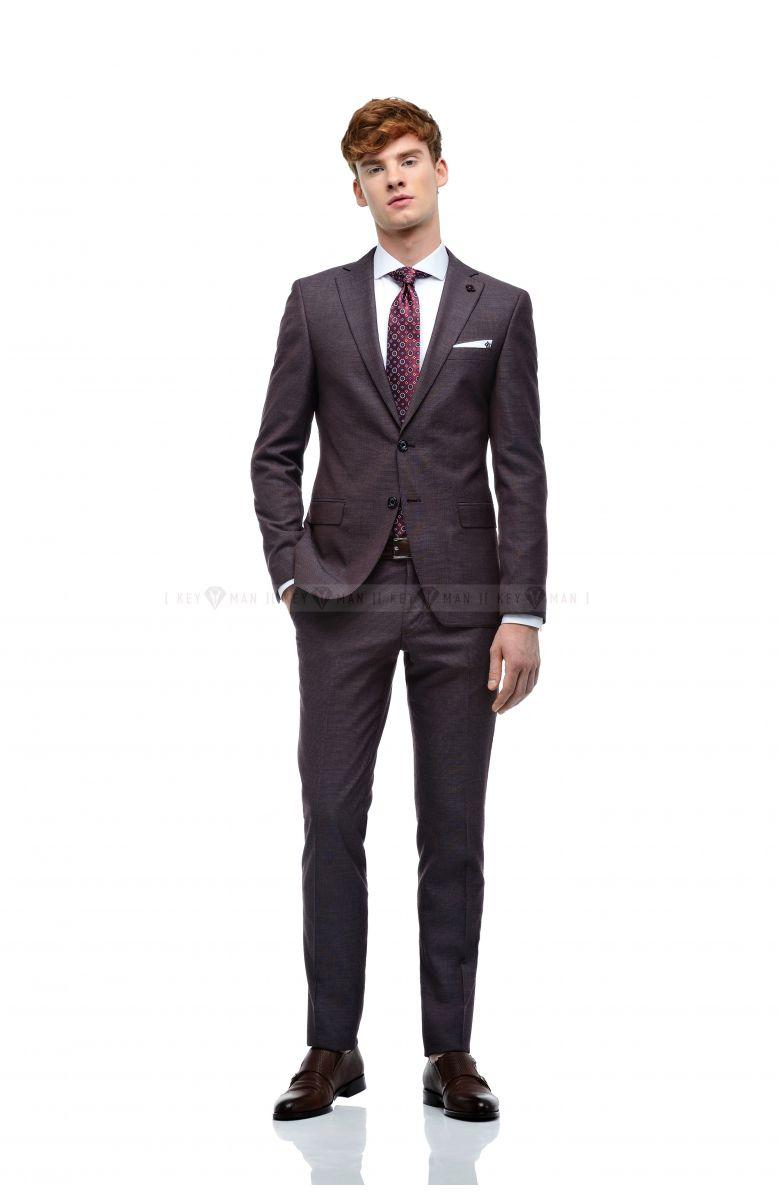 Комплект в офис с бордовым костюмом с вплетённой белой нитью (костюм, рубашка, ремень, туфли, галстук)