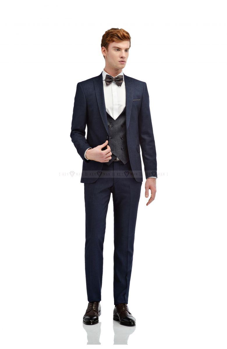 Комплект на свадьбу с синим костюмом с джинсовой фактурой (костюм  тройка, рубашка, бабочка, туфли, ремень )