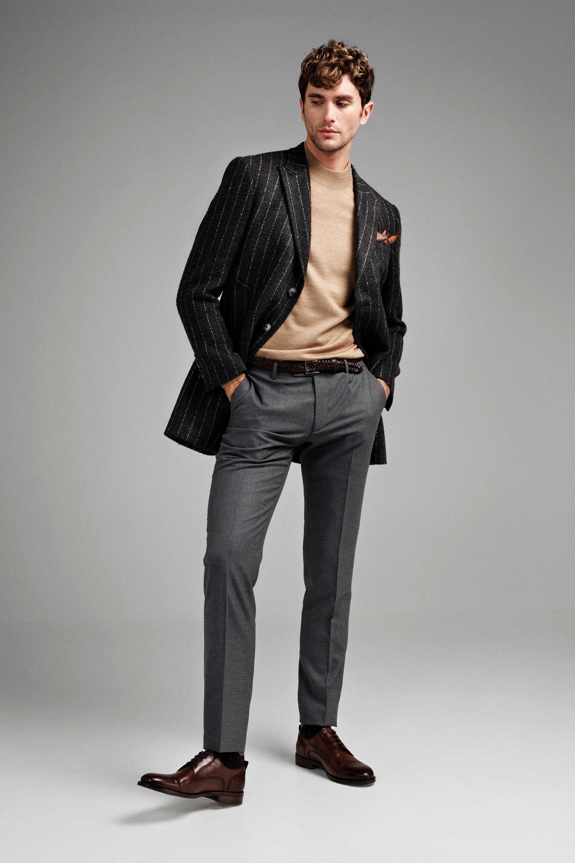 Пальто мужское серое в вертикальную белую полоску, демисезонное, итальянский лацкан