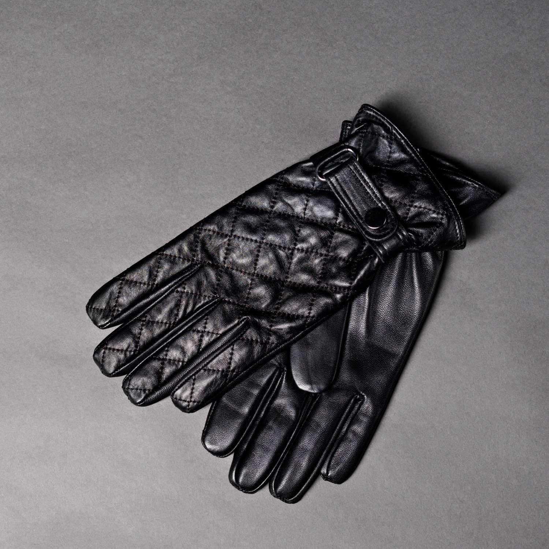 Черные кожаные стеганые перчатки