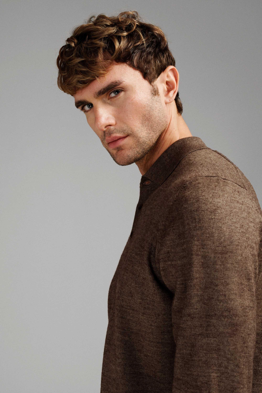 Джемпер мужской коричневый итальянская шерсть, regular fit (рубашечный воротник)