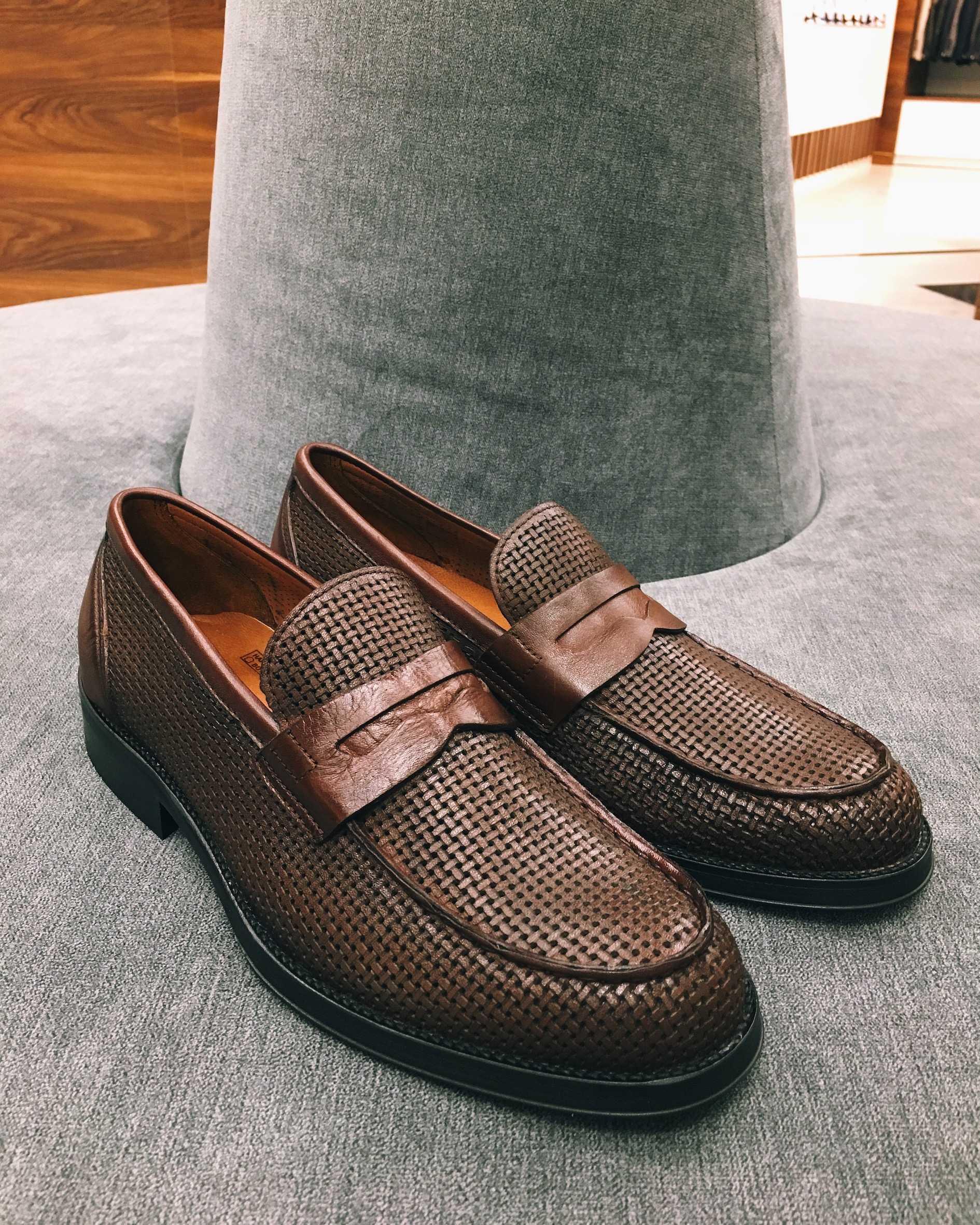 Туфли мужские лоферы коричневые перфорированные (Penny Loafers)