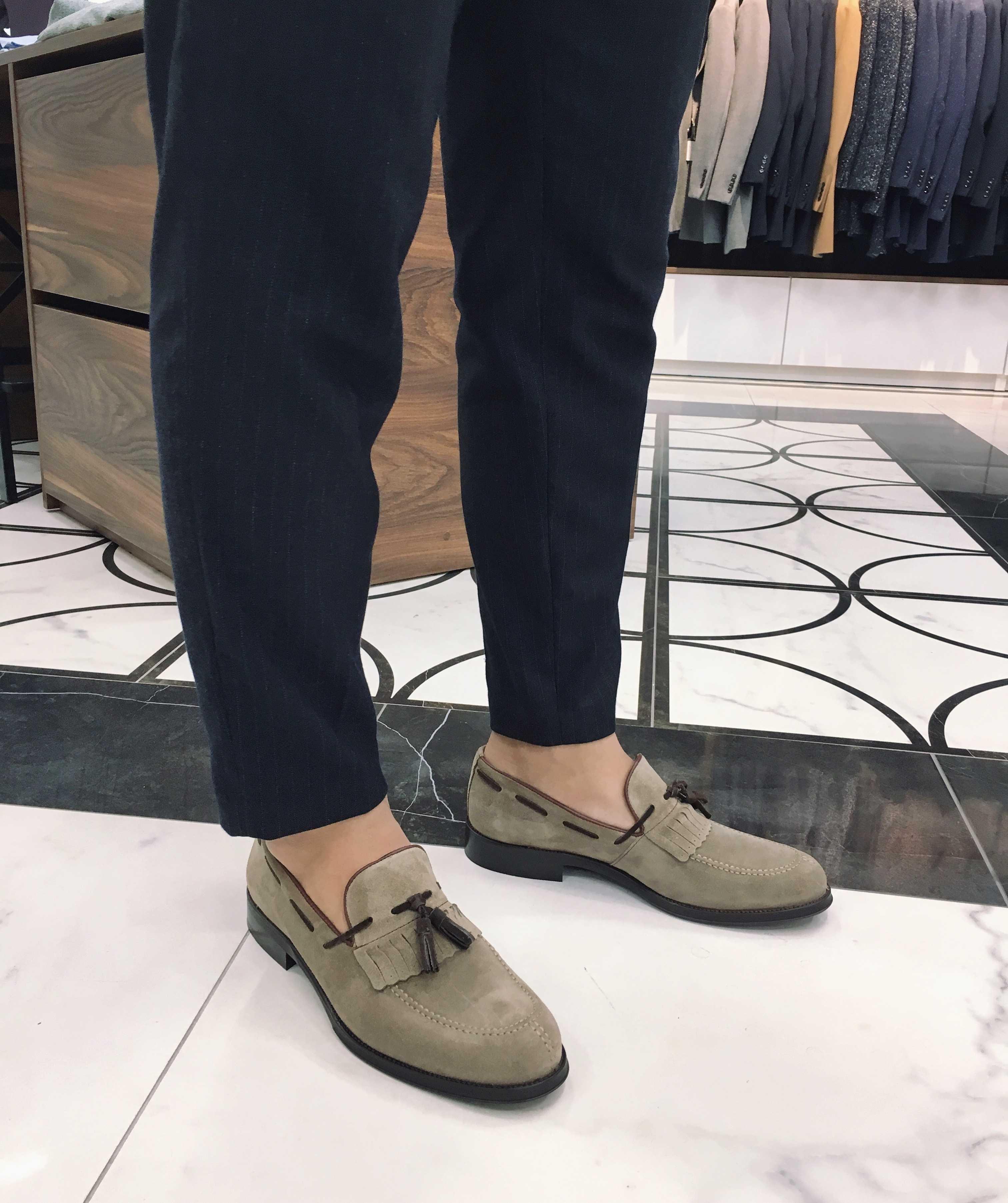 Туфли мужские лоферы с кисточками замшевые цвета визон (Tassel Loafers)