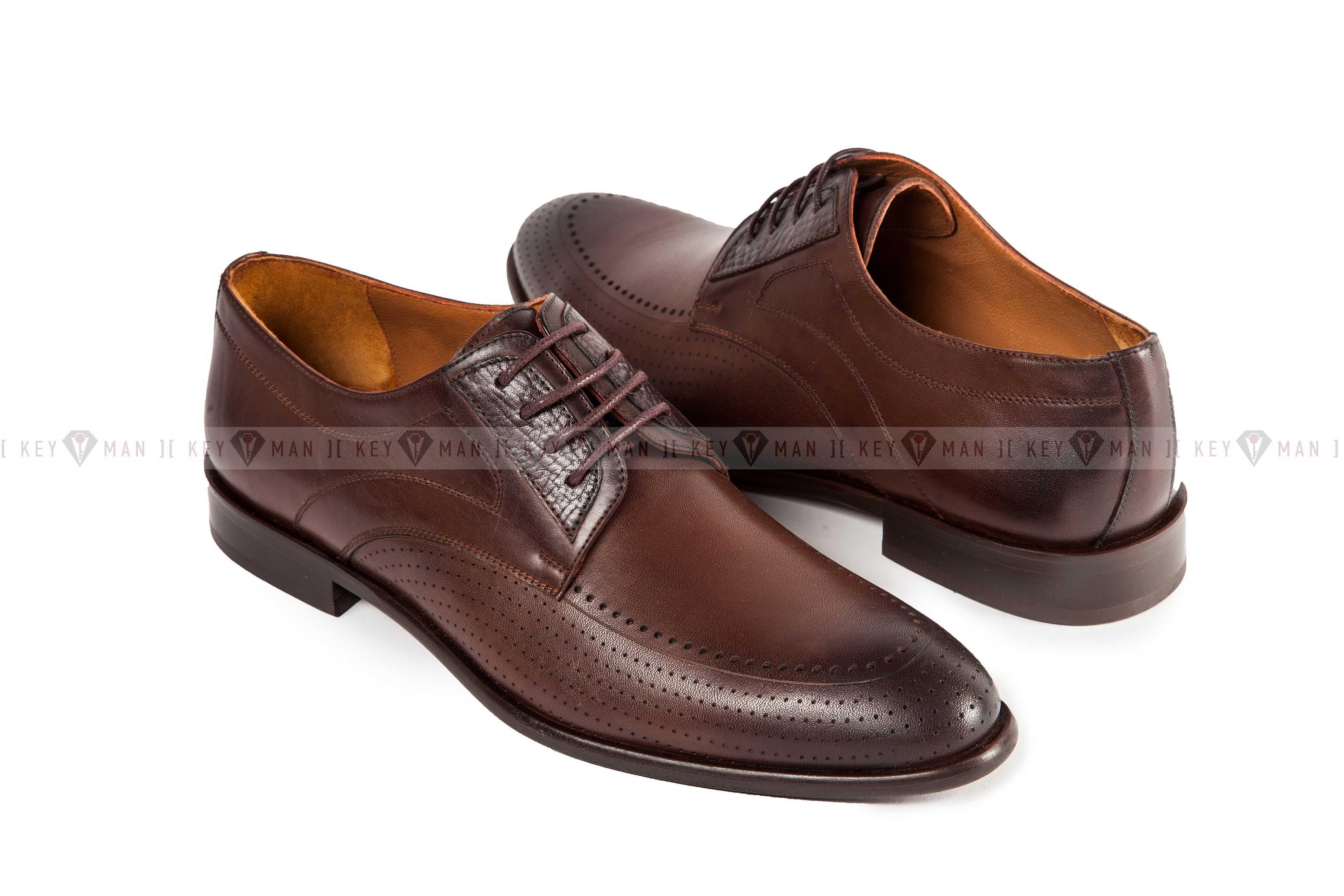 Туфли мужские дерби коричневые с декоративной перфорацией