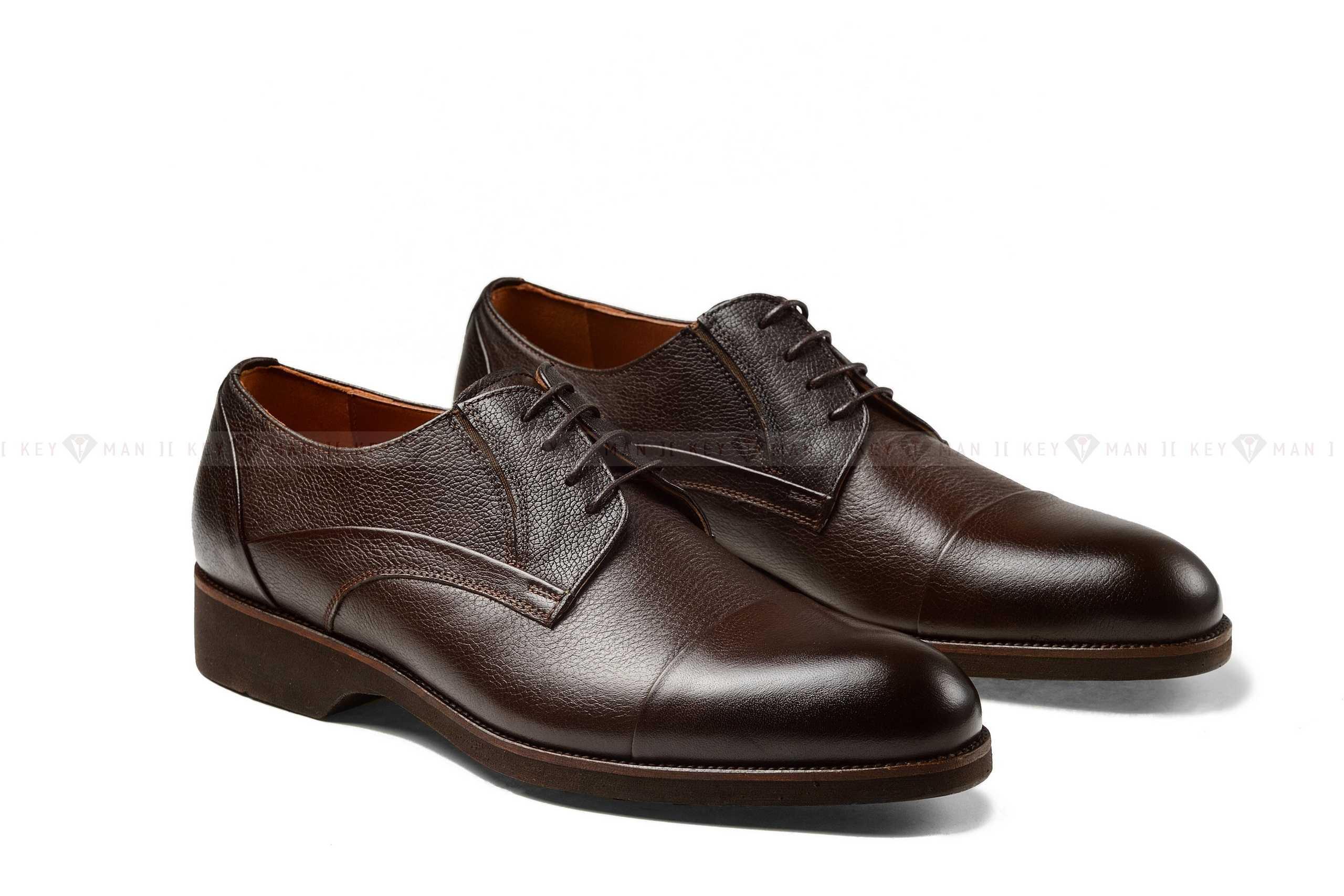 Туфли мужские коричневые с подрезами на сплошной подошве
