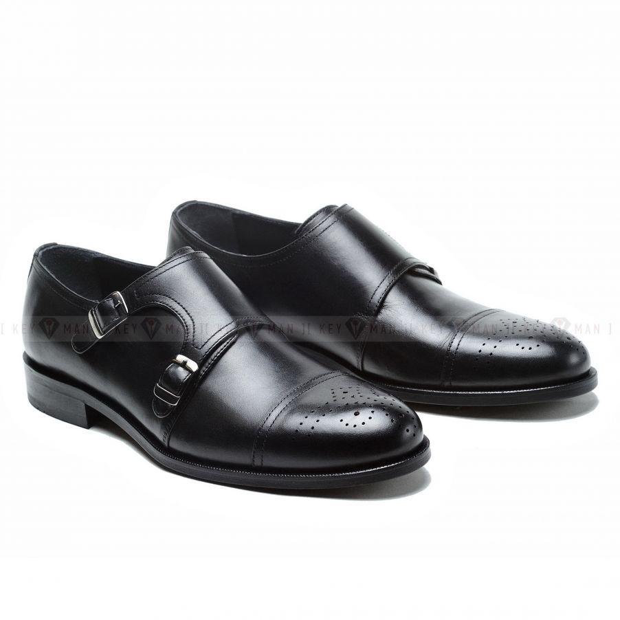 Туфли мужские дабл-монки черные с медальоном на мыске обуви