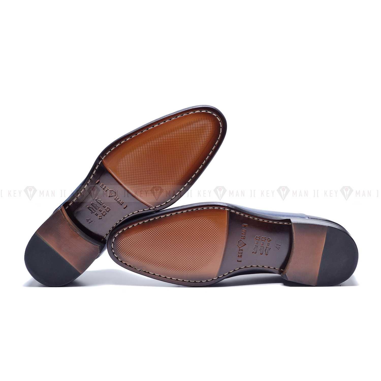 Туфли мужские дерби коричневые с медальоном на мыске
